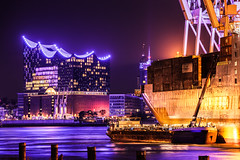 Hamburg (Kai-Uwe Klauss) Tags: blueport elbe elbphilharmonie hamburg nacht night shipping harbour fliesend photography color hh germany hafencity cityscapes