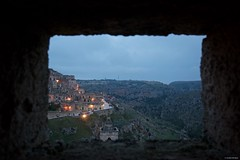 IMGP3303 Framed sunset (Claudio e Lucia Images around the world) Tags: matera basilicata italy unesco città della cultura 2019 grotte caves tufo caverne sunset bluesky tramonto pentax pentaxk3ii pentaxart nationalgeographic italia beautifulitaly barca cielo edificio acqua sigma sigmaart sigma1020 sigmalens