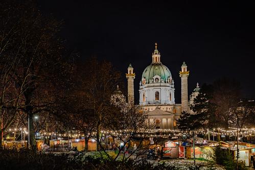 Christmas market on Karlsplatz