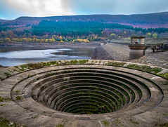 20181118-DSC_5801-Pano (Muddy Boots and Dancing Shoes) Tags: bamfordedge derbyshire peakdistrict drought ladybower plughole reservoir