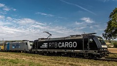 080_2018_09_28_Retzbach-Zellingen_6185_572_DISPO_MRCE_RTB_CARGO_mit_6185_684_Rpool_Rurtalbahn_CARGO_und_Autotransportzug ➡️ Würzburg (ruhrpott.sprinter) Tags: ruhrpott sprinter deutschland germany allmangne nrw ruhrgebiet gelsenkirchen lokomotive locomotives eisenbahn railroad rail zug train reisezug passenger güter cargo freight fret retzbachzellingen bayern unterfranken mainspessart brll byb db dbcsc dispo egp eloc hctor lm loc meg mt nesa öbb pkpc rhc rpool rtb sbbcargo slg setg xrail 0425 1016 1116 1211 1293 3364 5370 6139 6143 6145 6152 6155 6182 6185 6186 6187 6193 8170 logo natur outddor graffiti