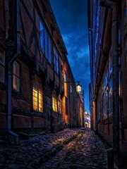 Gl. Faegestraede (ibjfoto) Tags: bluehour blåtime city elsinore helsingør ibjensen ibjfoto street by gade gammelby oldtown strait