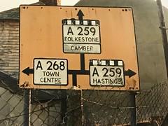 Rye (SRDemus) Tags: b2089 streetsign sussex oldsign directionsign streetfurniture aa roadsign rye