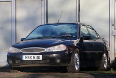 HSK 830 (Nivek.Old.Gold) Tags: 1997 ford mondeo 20 16v ghia 4door