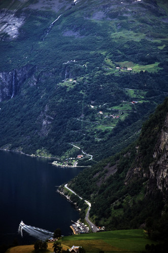 "Norwegen 1998 (321) Geirangewrvegen • <a style=""font-size:0.8em;"" href=""http://www.flickr.com/photos/69570948@N04/33529235058/"" target=""_blank"">View on Flickr</a>"