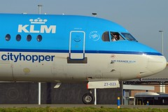 KLM Cityhopper PH-KZT Fokker F70 cn/11541 wfu 01-05-2016 std at NWI 02-05-2016 @ Taxiway Q EHAM / AMS 28-12-2015 (Nabil Molinari Photography) Tags: klm cityhopper phkzt fokker f70 cn11541 wfu 01052016 std nwi 02052016 taxiway q eham ams 28122015