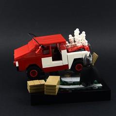 007 - The Scene of the Crash (Alex THELEGOFAN) Tags: lego legography minifigure minifigures minifig minifigurine minifigs minifigurines batman arkham knight dc comics vignette videogame car crash scene crate