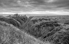 Flikr-14.jpg (g_allan) Tags: 2018 landscape genre stonehaven filmnegative ~where hp400 scotland aberdeenshire ~photography landscapephotography coastal filmphotography scanned blackandwhite bw dunottarcastle
