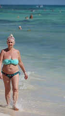 2017-12-08_12-11-45_ILCE-6500_DSC03686 (Miguel Discart (Photos Vrac)) Tags: 2017 355mm beach candidportrait candide candideportrait divers fe24240mmf3563oss female femme focallength355mm focallengthin35mmformat355mm girls holiday hotel hotels ilce6500 iso100 landscape maillot maillotdebain mexico mexique oceanrivieraparadise plage playadelcarmen quintanaroo sony sonyilce6500 sonyilce6500fe24240mmf3563oss swimsuit travel vacances voyage woman women yucatan