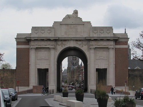Ieper: Menin Gate Memorial to the Missing (West-Vlaanderen)