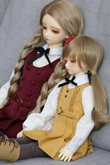 sleepy sisters (sasurin) Tags: volks superdollfie bjd swd sweetdreams nana sd sd10 origin sdm msd
