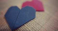 Origami -------------------- ♥️ (ghiro1234 [♀]) Tags: origami mm hobby macromondays flickr rosa azzurro imakeorigamiformm robertaghidossi