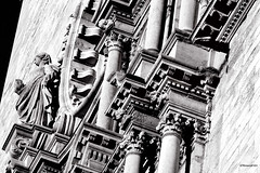 Catedral de Santa Maria - Girona (rossendgricasas) Tags: girona catalonia catedraldegirona bn bw monochrome noperson church architecture photoohot photoshop nikon tamron