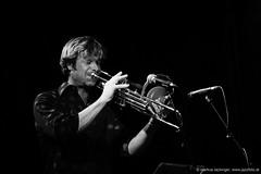 Gernot Haslauer: trombone (jazzfoto.at) Tags: sw bw schwarzweiss blackandwhite blackwhite noirblanc bianconero biancoenero blancoynegro zwartwit pretoebranco sony sonyalpha sonyalpha77ii alpha77ii sonya77m2 wwwjazzfotoat wwwjazzitat jazzitsalzburg jazzitmusikclubsalzburg jazzitmusikclub jazzfoto jazzphoto markuslackinger jazzinsalzburg jazzclubsalzburg jazzkellersalzburg jazzclub jazzkeller jazzit2018 jazz jazzsalzburg jazzlive livejazz konzertfoto concertphoto concertphotos liveinconcert stagephoto greatjazzvenue greatjazzvenue2018 downbeatgreatjazzvenue salzburg salisburgo salzbourg salzburgo austria autriche blitzlos ohneblitz noflash withoutflash concert konzert concerto concierto musiker musik music конце́рт
