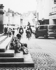 Alone in Oxford (Zoltan Schadel photography) Tags: oxford locations alone england steps city street people history streetphotography landscapes atmosphere blackandwhite zoltanschadel man