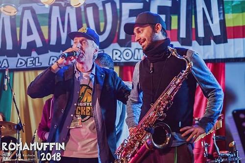 Sagra del #raggae 🔊 #romamuffin #salvatorelucchesi 🎷 #dub #roots #elettronica raggamuffin #baraccasound #loaacrobax 🎺 #excinodromo #musica 🎶 #underground #music #sottosuolo 🍁 #cannabisfree #webtv 🙌 #l