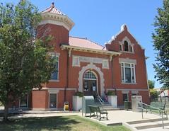 Carnegie Library (Pittsfield, Illinois) (courthouselover) Tags: illinois il carnegielibraries libraries pikecounty pittsfield northamerica unitedstates us