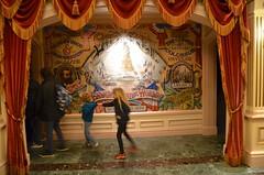The Kids By The Statue Of Liberty (Joe Shlabotnik) Tags: disneyland violet disneylandparis everett statueofliberty paris france april2018 eurodisney disney 2018 afsdxvrzoomnikkor18105mmf3556ged