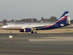 "VQ-BKT, Airbus A320-214, c/n 4712, SU-AFL-Aeroflot Russian Airlines, ""V. Vernadsky / В. Вернадский"",  CDG/LFPG 2018-10-08, leaving taxiway Bravo-Loop. (alaindurandpatrick) Tags: su afl aeroflot aeroflotrussianairlines airlines vqbkt cn4712 a320 a320200 airbus airbusa320 airbusa320200 minibus jetliners airliners cdg lfpg parisroissycdg airports aviationphotography"