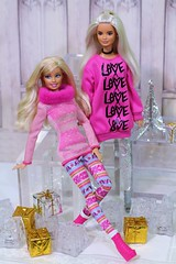 Pink Christmas Barbie (Annette29aag) Tags: barbie doll holiday pink platinumpop sweater
