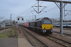Loco 67005 hauls 08.43 Leeds to Kings Cross through Cambridge, diverted from the East Coast route due to an Engineering Blockade at Biggleswade. 06 01 2019 (pnb511) Tags: diesel loco locomotives track train trains class67 diverts westangliamainline cambridge cambridgeshire station 225 set ohc electric 67005 skip