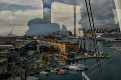Guardando....e pensando a Genova. (Jean-Pierre54) Tags: genova