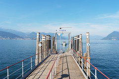 Jetty at the Lake Maggiore (Bephep2010) Tags: 2018 7markiii alpha berg boot bootsanleger italien italy lagomaggiore lakemaggiore piedmont piemont sel28f20 see sommer sony stresa boat jetty lake mountain summer ⍺7iii provinzverbanocusioossola it