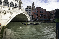 Rialto Bridge, Venice (Terrycym) Tags: italy venice rialtobridge pontederialto antoniodaponte sanpolo veneto venezia pontedirialto grandcanal europe gondola leica