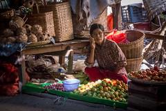 Mani Sithu Market (Seb & Jen) Tags: bagan myanmar burma birmanie mandalayregion myanmarbirmanie oldbagan nyaungu royaumedepagan mani sithu market marche