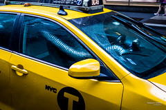 The New Yorkers - DIY AC ;-) (François Escriva) Tags: street streetphotography us usa nyc ny new york people candid olympus omd photo rue light man colors sidewalk taxi cab driver yellow blue ac fun funny diy