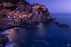 Bella Manarola (flo73400) Tags: poselongue cinqueterre italie italia heurebleue bluehour blue longexposure le landscape village