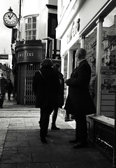 Lest We Forget (Bury Gardener) Tags: bw blackandwhite monochrome mono england eastanglia uk britain burystedmunds suffolk streetphotography street streetcandids snaps strangers candid candids people peoplewatching 2018 nikond7200 nikon abbeygatestreet