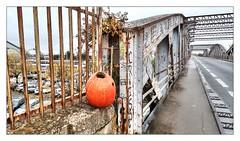 La Rochelle (patrick_step) Tags: larochelle france bridge pont citrouille