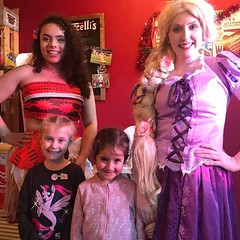 Treasure Hunt in Lancaster (Elysia in Wonderland) Tags: lancaster treasure hunt rapunzel elysia marvellous events bid shopping centre disney princess costume cosplay bucellis moana italian restaurant