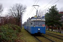 P-Zug 2006/3004 erreicht die Anni-Albers-Straße (Frederik Buchleitner) Tags: 2006 3004 linie23 munich münchen pwagen strasenbahn streetcar tram trambahn