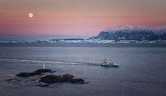 (Frank S. Schwabe) Tags: winter ocean kristiansund skorpa tustna nordmøre boat moon sunset