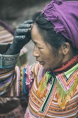 Blue Hand (Roberto Pazzi Photography) Tags: people travel woman asia village vietnam ethnicity asian culture place portrait blue hand one person halflength outdoor hmong street photography nikon sapa