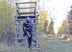 Autumn in latex (Gabriela Brown) Tags: latex rubber gummi girl woman frau outside outdoor forest maske mask black fullenclosure heavyrubber catsuit gasmask