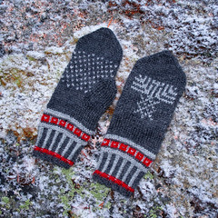 Traditional North Karelian mittens (Winterbound) Tags: knitting handmade handknitted mittens
