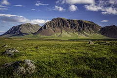 iceland on a clear day (Wim van de Meerendonk, loving nature) Tags: iceland landscape light mountain mountainscape monumental blue bright color colors colours colour earth green hill hills nature outdoors outdoor panorama rock rocks sony sky sun scenic travel valley view wimvandem