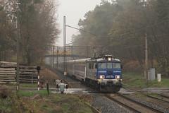 EP07-384 (pedro4d) Tags: ep07 ep07384 pkp intercity pociąg kolej train railway jesień mgła poznań golęcin autumn fog nikon d800 carl zeiss planar 8514