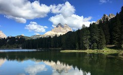 Lago di Misurina (__ PeterCH51 __) Tags: lagodimisurina lake lakemisurina dolomites dolomiti dolomiten italy italia landscape scenery mountains alps alpen alpinescenery alpinelandscape trecime trecimedilavaredo threepeaks dreizinnen italianalps beautifulview iphone peterch51 reflection