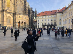 Tourists in the Square (RobW_) Tags: tourists square cathedral castle prague czechrepublic europe wednesday 07nov2018 november 2018