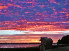 sumoe170618_index (BodoRedlin) Tags: sonnenuntergang schröderstrand freistrand möltenort heikendorf kieler förde himmel wolken sonne strandkorb ostsee