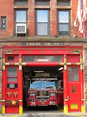 Engine 74 (Paranoid from suffolk) Tags: 2018 engine fire truck emergency shed 74 newyork newyorkcity usa ny nyc fdny