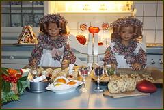 Anne-Moni und Tivi ... Grüße aus der Weihnachtsbackstube ... (Kindergartenkinder 2018) Tags: advent backen kindergartenkinde annemoni tivi