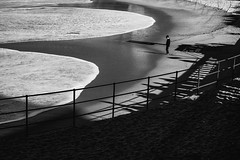 . (Stéphane Dégremont) Tags: biarritz blackandwhite blackandwhiteonly light noiretblanc stéphanedégremont street streetphotography