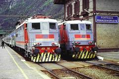 Fortezza Franzensfeste 1999 (Cimacapi) Tags: fortezza franzensfeste fs ferroviabrennero brennerbahn pustertalbahn ferroviapusteria e424navetta e424 e424302 e424305 breda stazione südtirol altoadige locomotivaelettrica locomotore