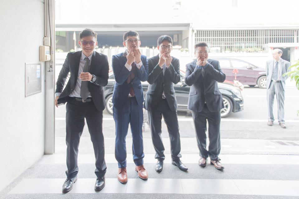 台南東東宴會式場 婚宴 走在幸福的紅毯上 R & B 023