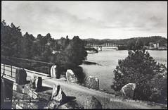 Postkort fra Agder (Avtrykket) Tags: bolighus bro brokar hus postkort stabbestein vei arendal austagder norway nor